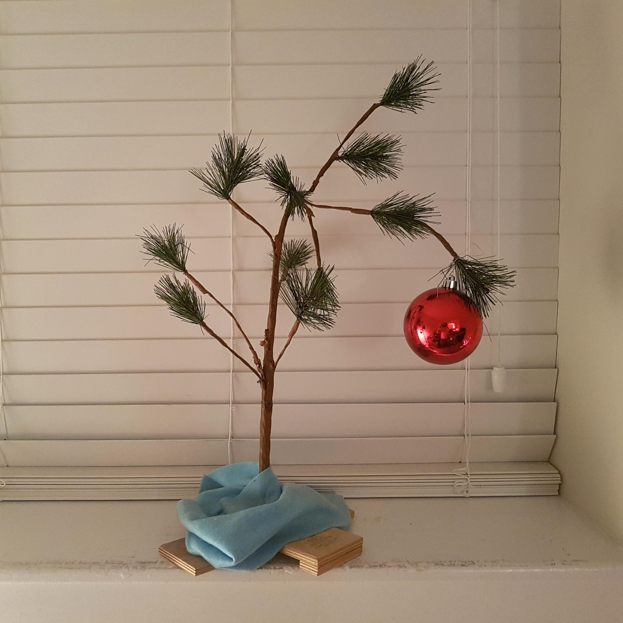 THE ORIGINAL CHARLIE BROWN CHRISTMAS TREE CHRISTMAS DECORATION