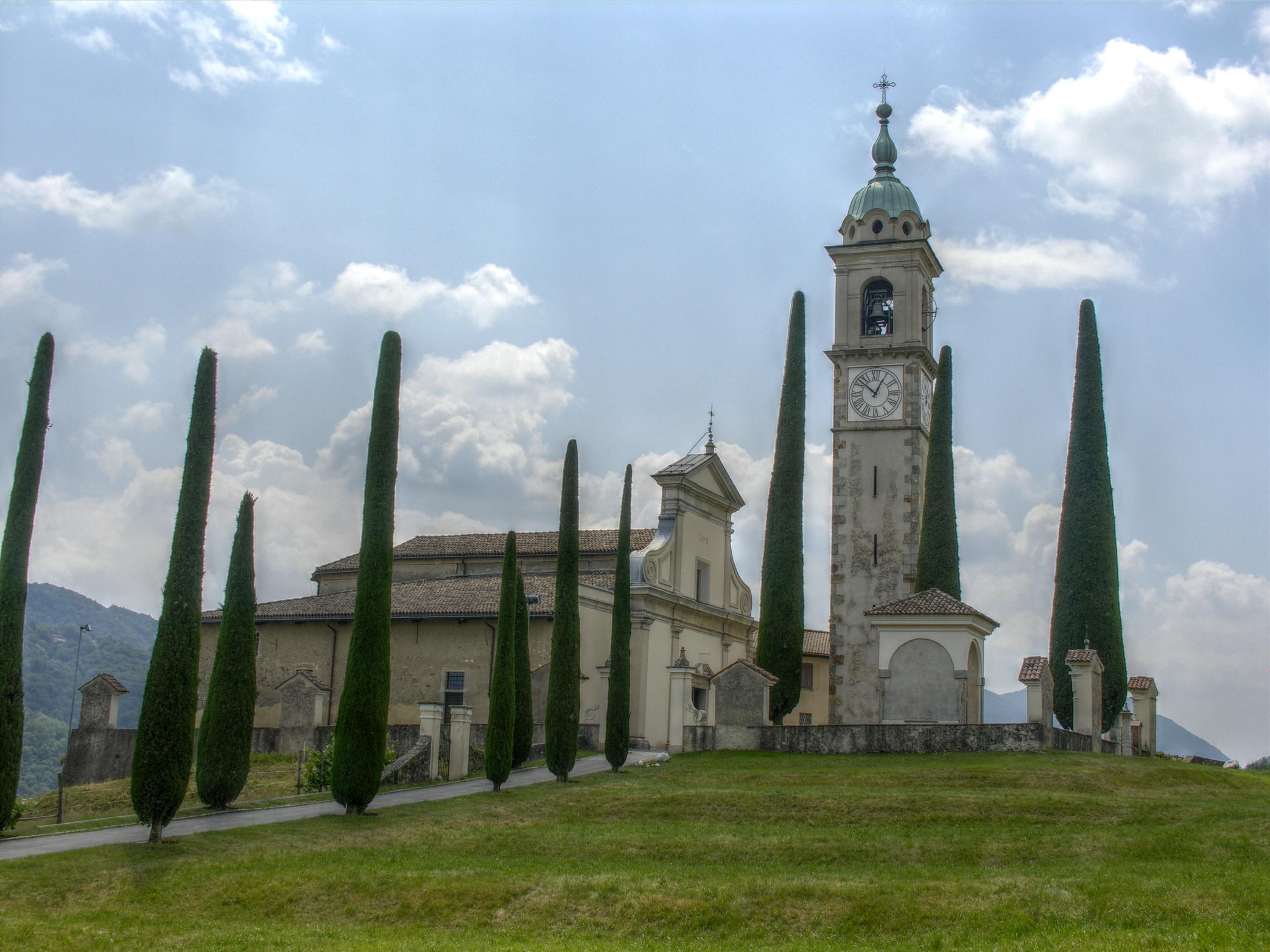 Chiesa di Sant'Abbondio, Collona D'oro