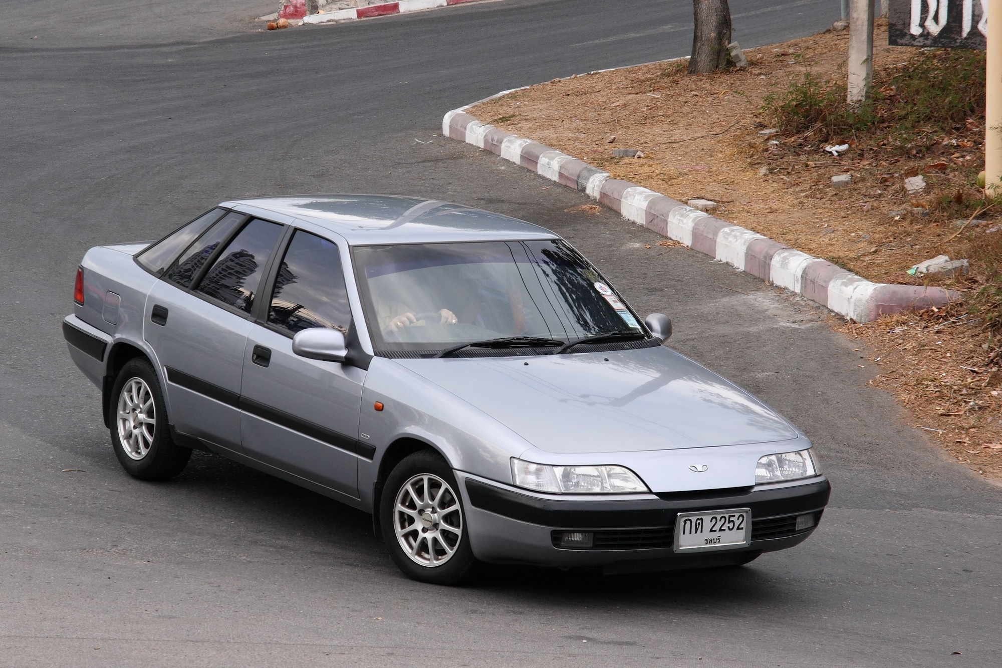 File:Daewoo Espero in Thailand.JPG - Wikimedia Commons