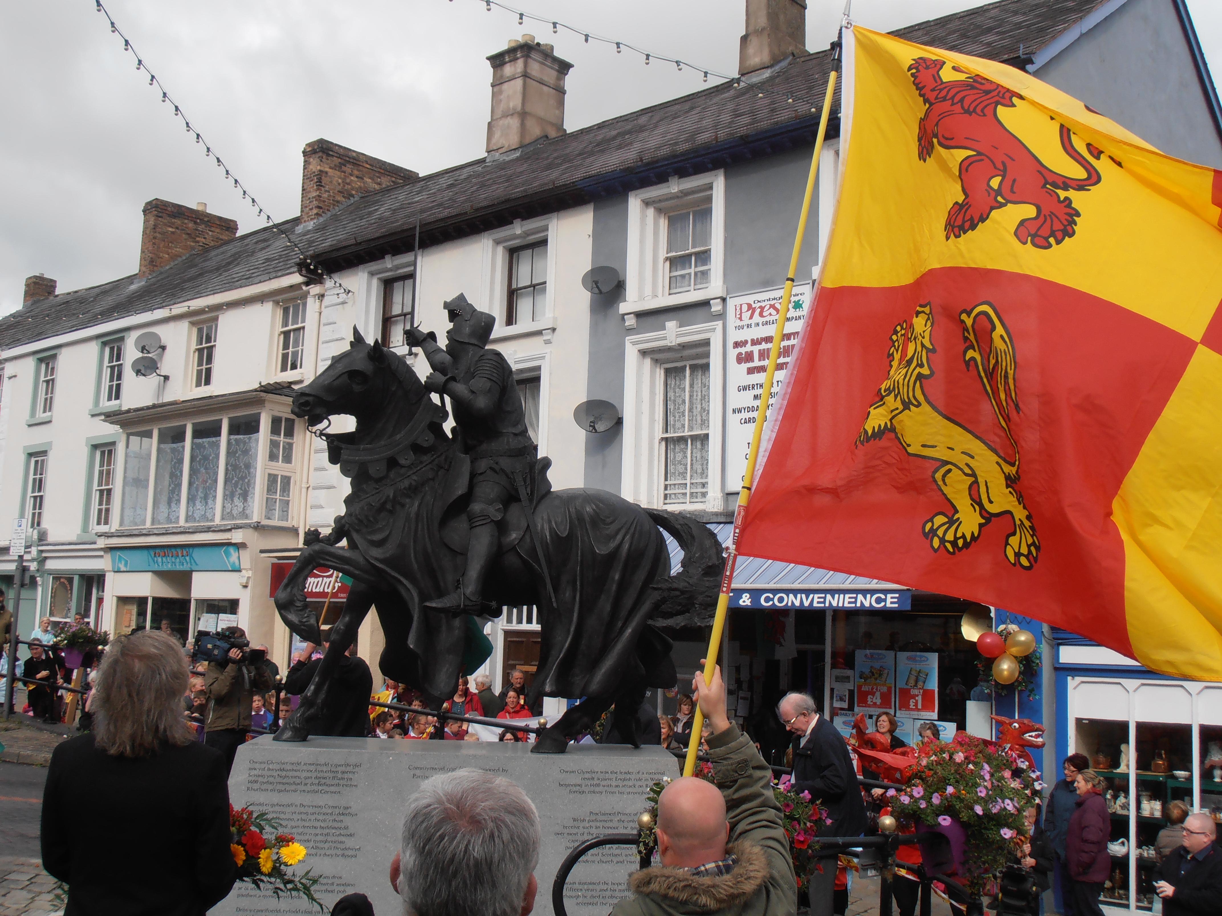 Celebrating Owain Glyndŵr in Corwen 16/9/13