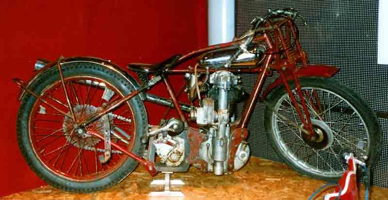 File:Eiber 650 cc OHC 1934.jpg