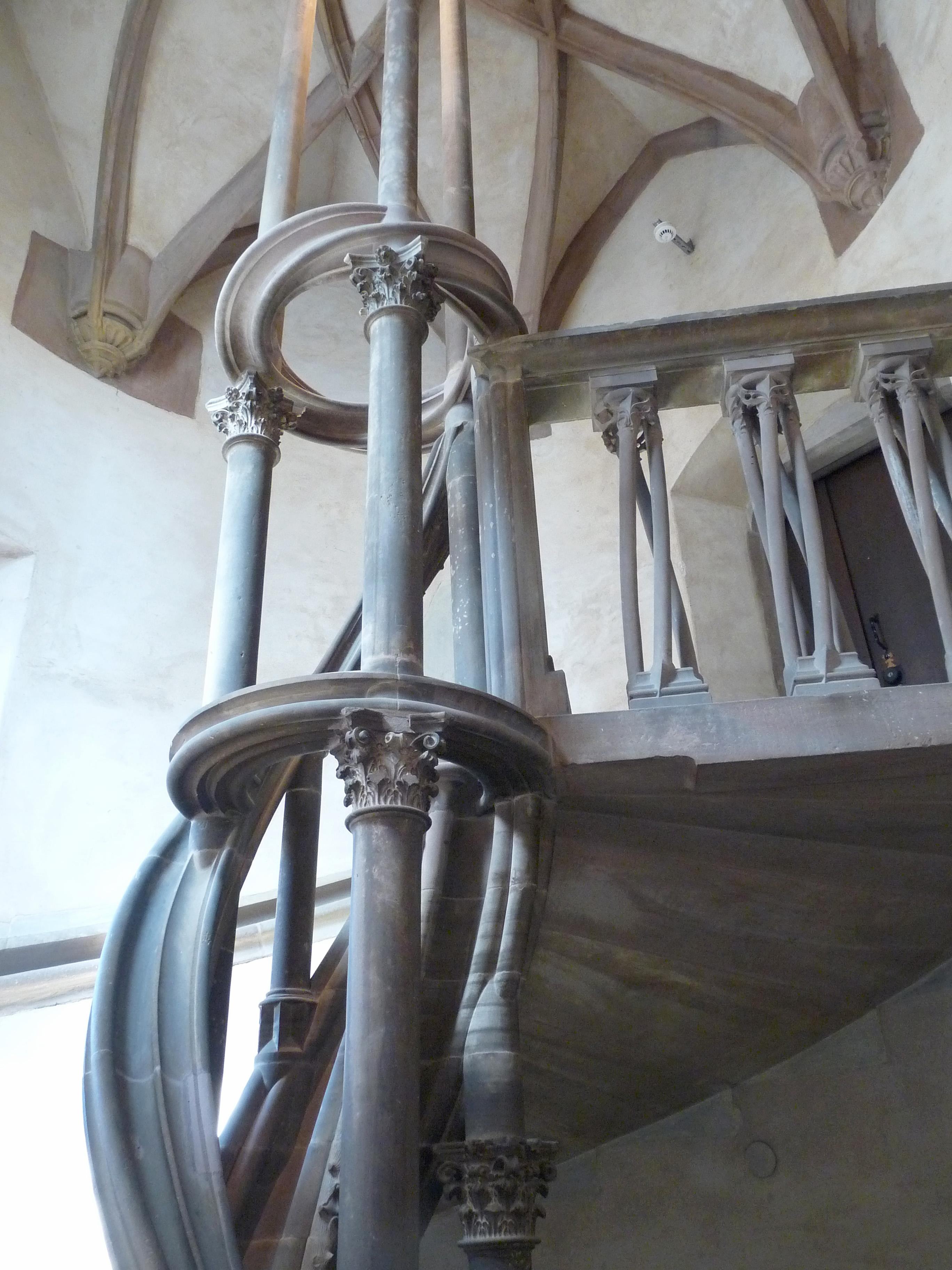 file escalier en vis ht uhlberger mus e de l 39 oeuvre notre dame 1 jpg wikimedia commons. Black Bedroom Furniture Sets. Home Design Ideas