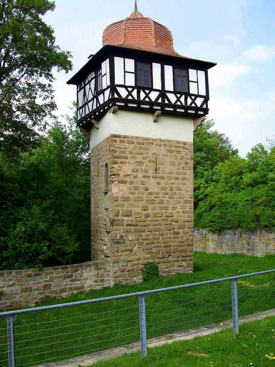 http://upload.wikimedia.org/wikipedia/commons/a/ac/Faustus_tower_Maulbronn_monastery.JPG