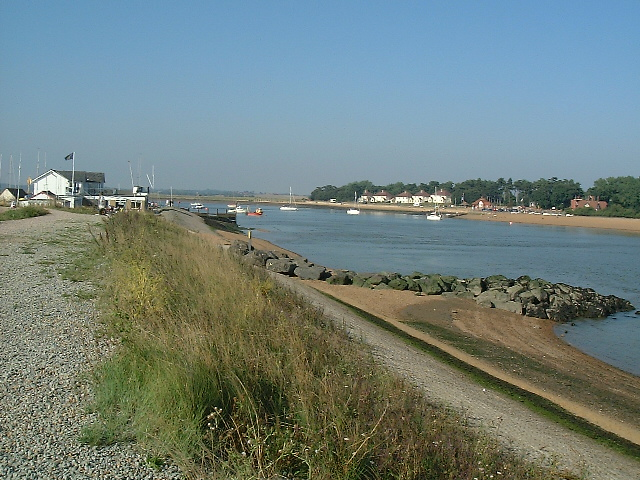 Felixstowe Ferry Sailing Club and Deben River - geograph.org.uk - 39074