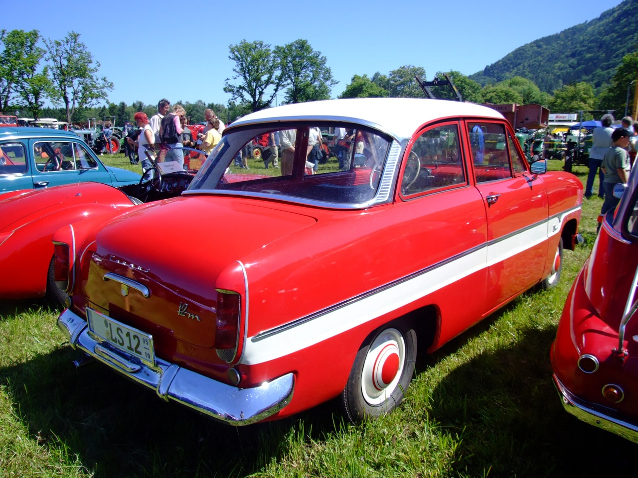 file ford taunus 12m 38ps 1960 wikimedia commons. Black Bedroom Furniture Sets. Home Design Ideas