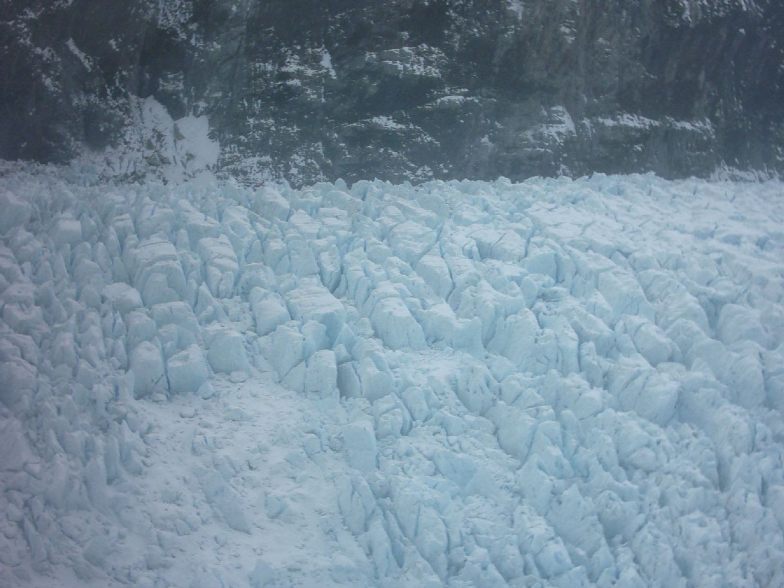 File:Franz Josef Glacier Ice Seracs.jpg - Wikipedia, the free ...