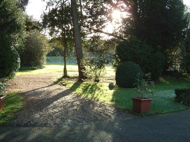 Gardens, Pendley Manor Hotel - geograph.org.uk - 339706