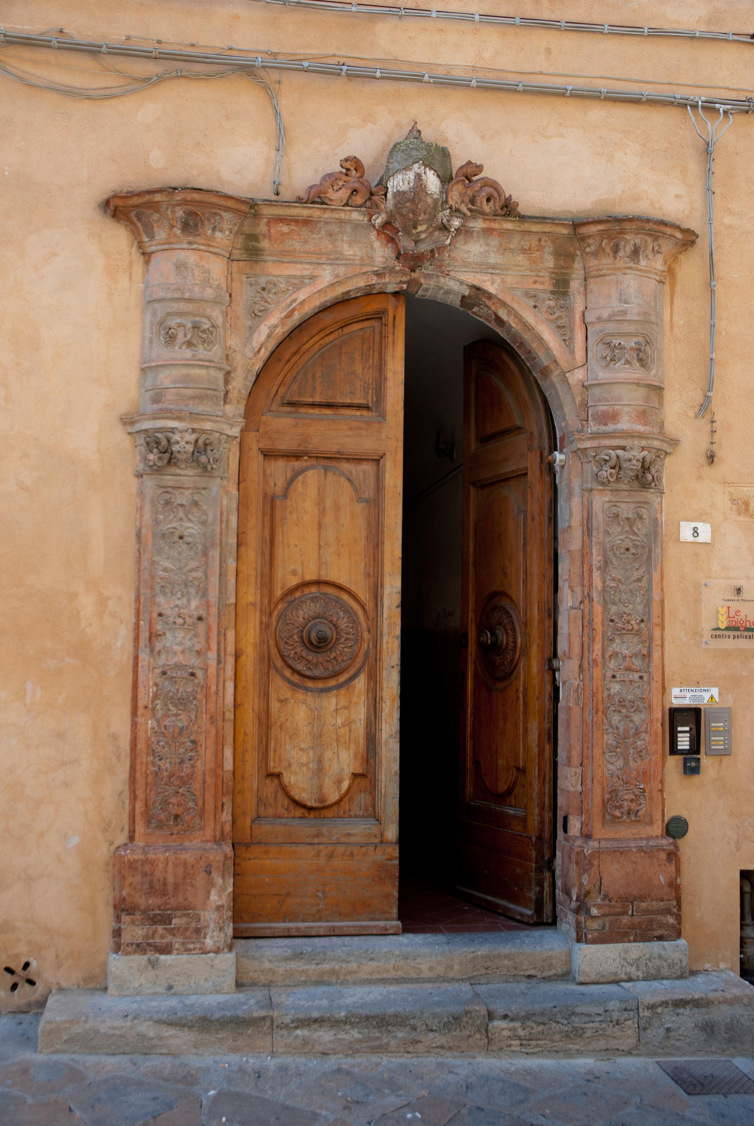 File:Italian Door (5335158941)