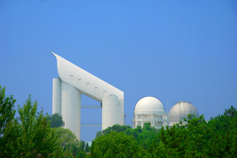 ملف:LAMOST telescope org.jpg
