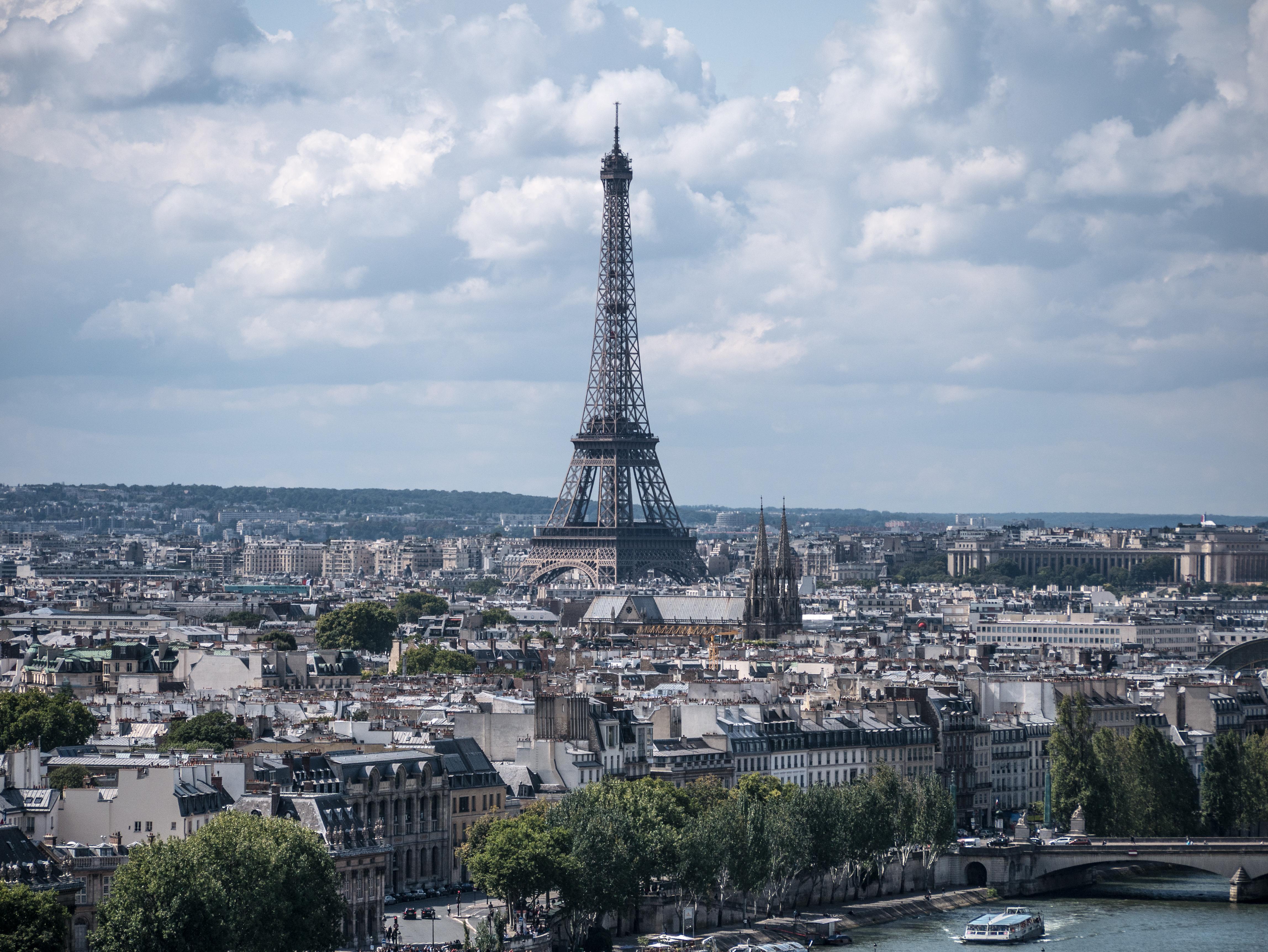 Paris Est La Ville De La Mode