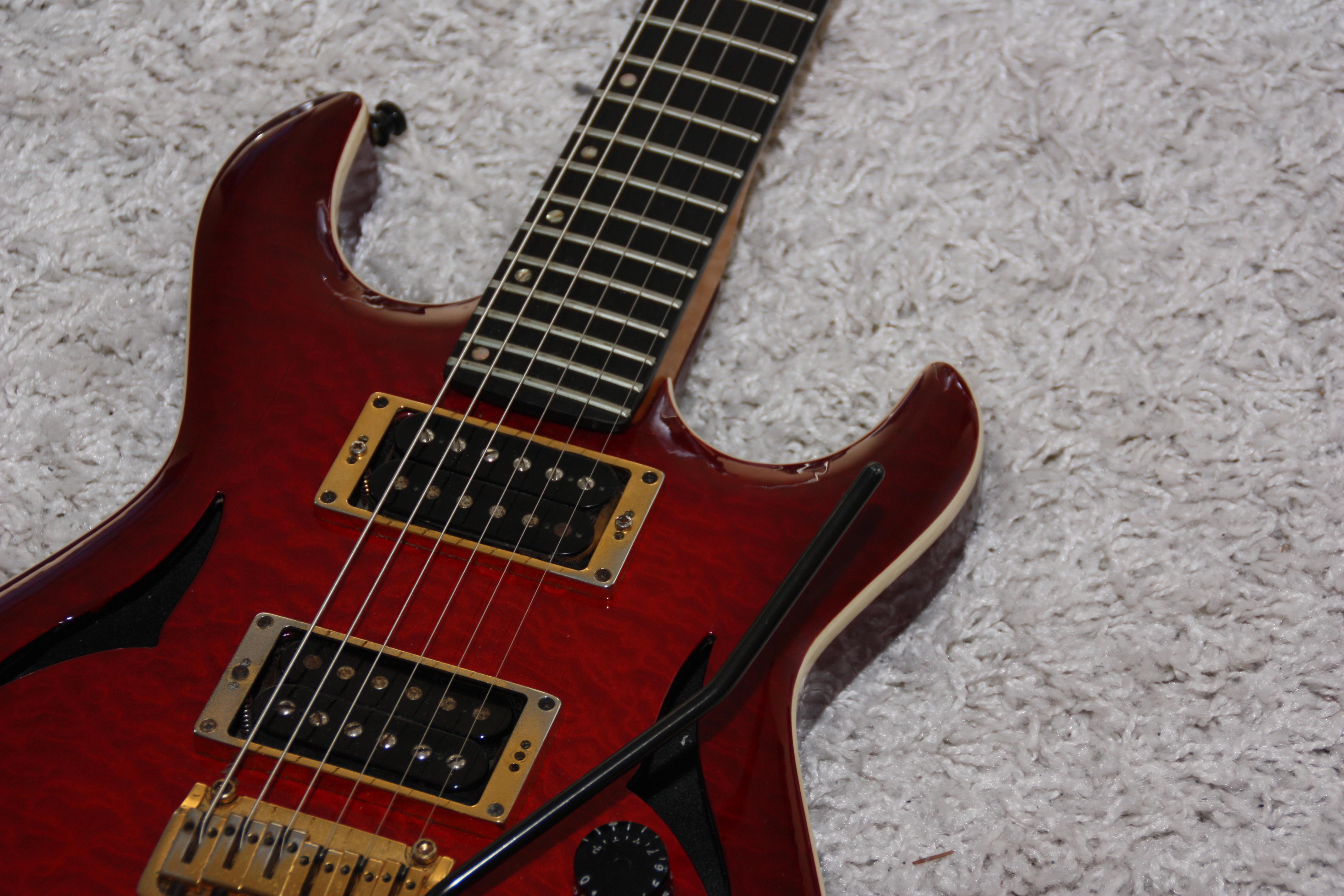 Rote E-Gitarre