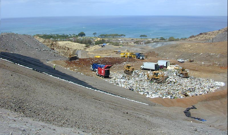 File:Landfill Hawaii.jpg