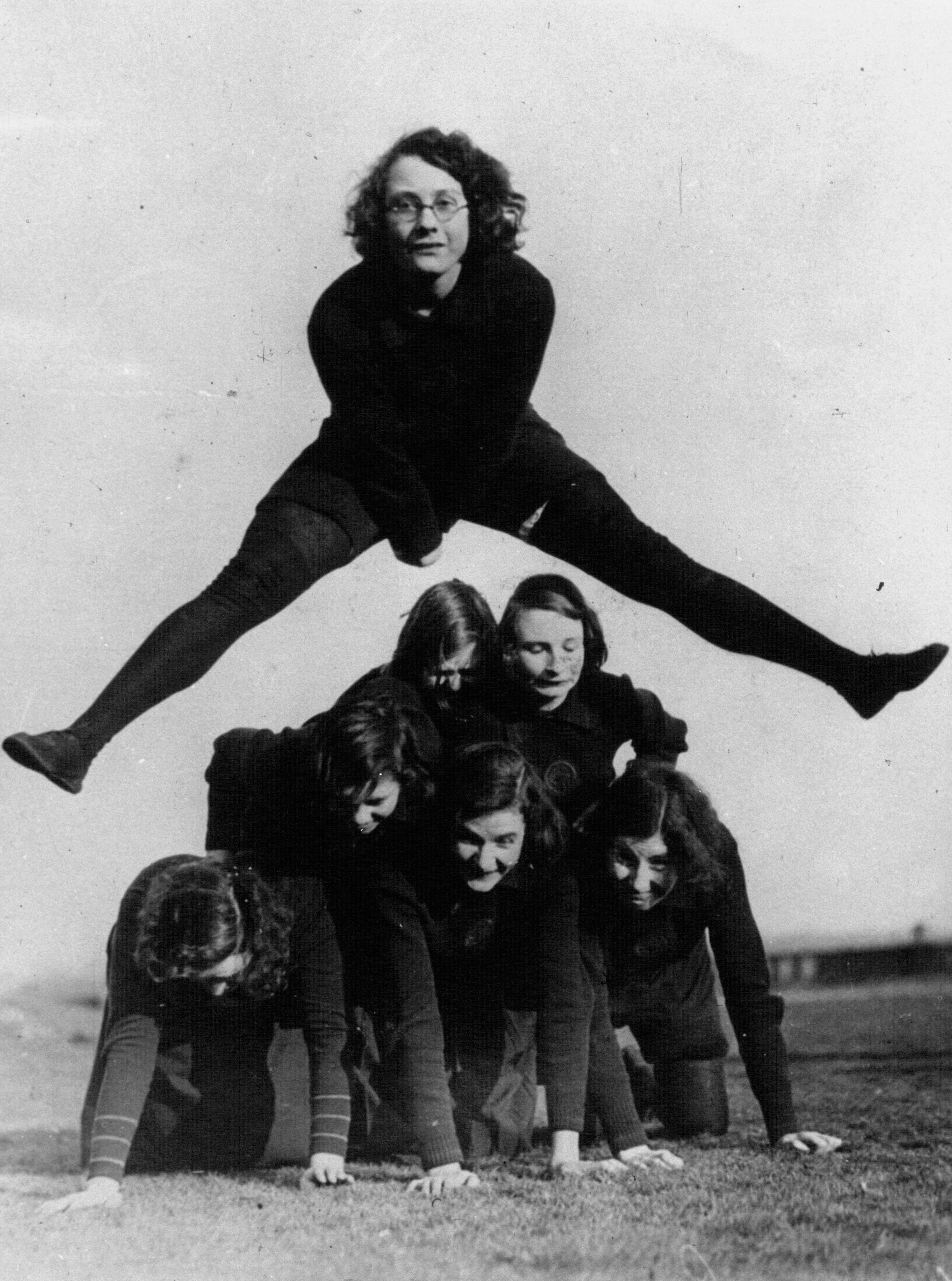 File:Leapfrog 1932.jpg