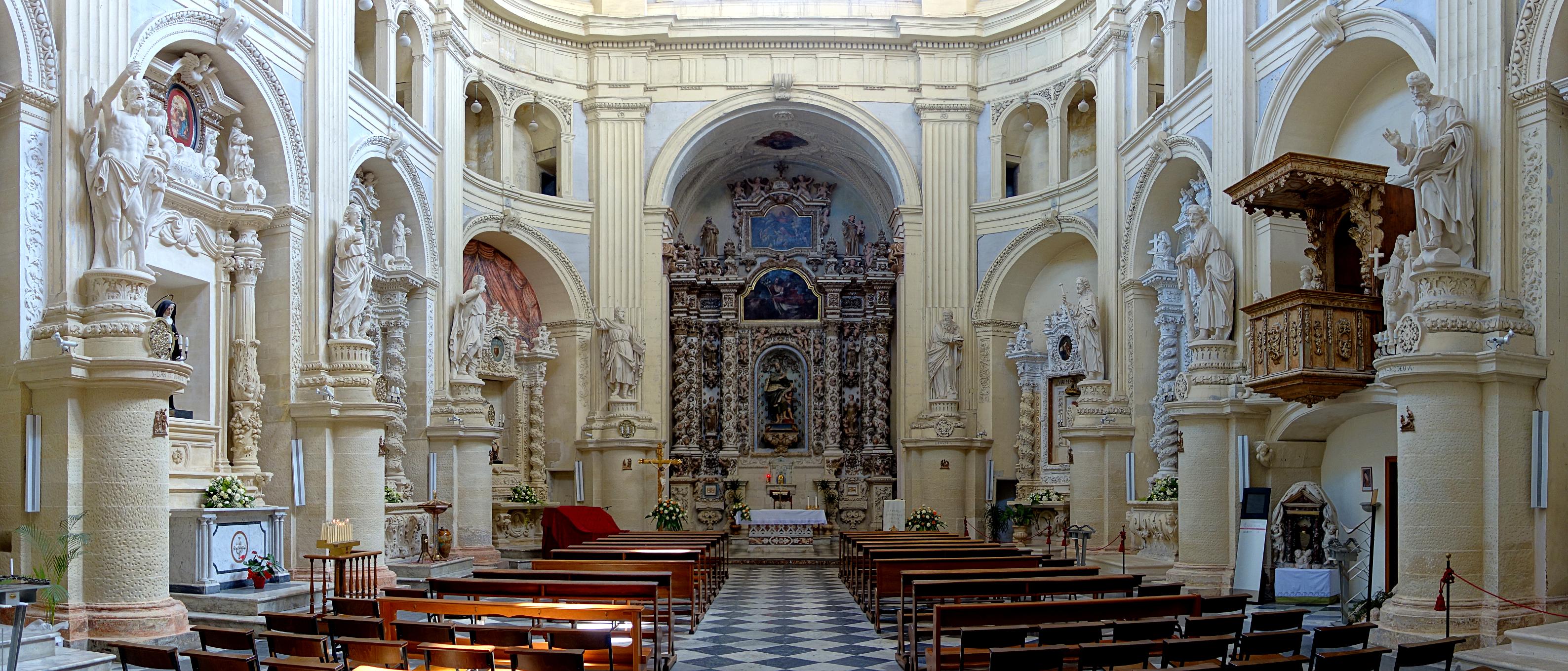 File:Lecce san matteo nef.jpg - Wikimedia Commons