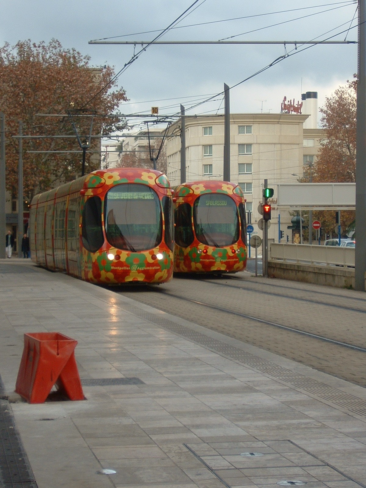 file ligne 2 du tramway de montpellier place de l europe. Black Bedroom Furniture Sets. Home Design Ideas