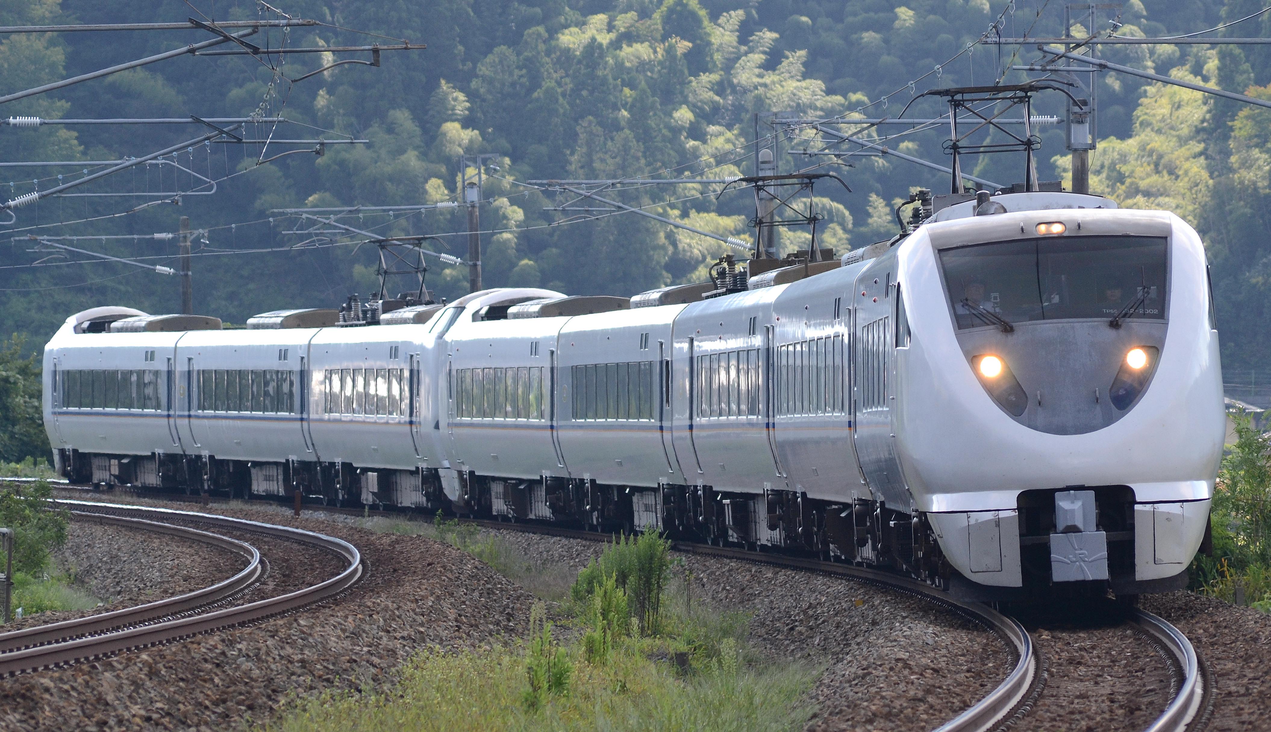 File:Limited express shirasagi 683-2000bandai.JPG