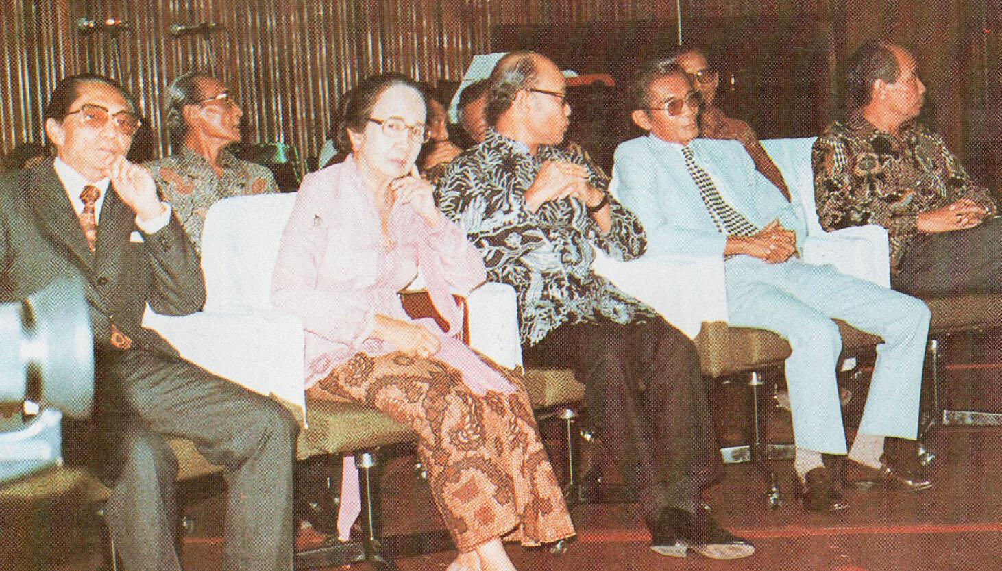 Filemaria Ulfah Santoso And Sjamsoe Soegito At Mmpi Meeting Festival Film Indonesia