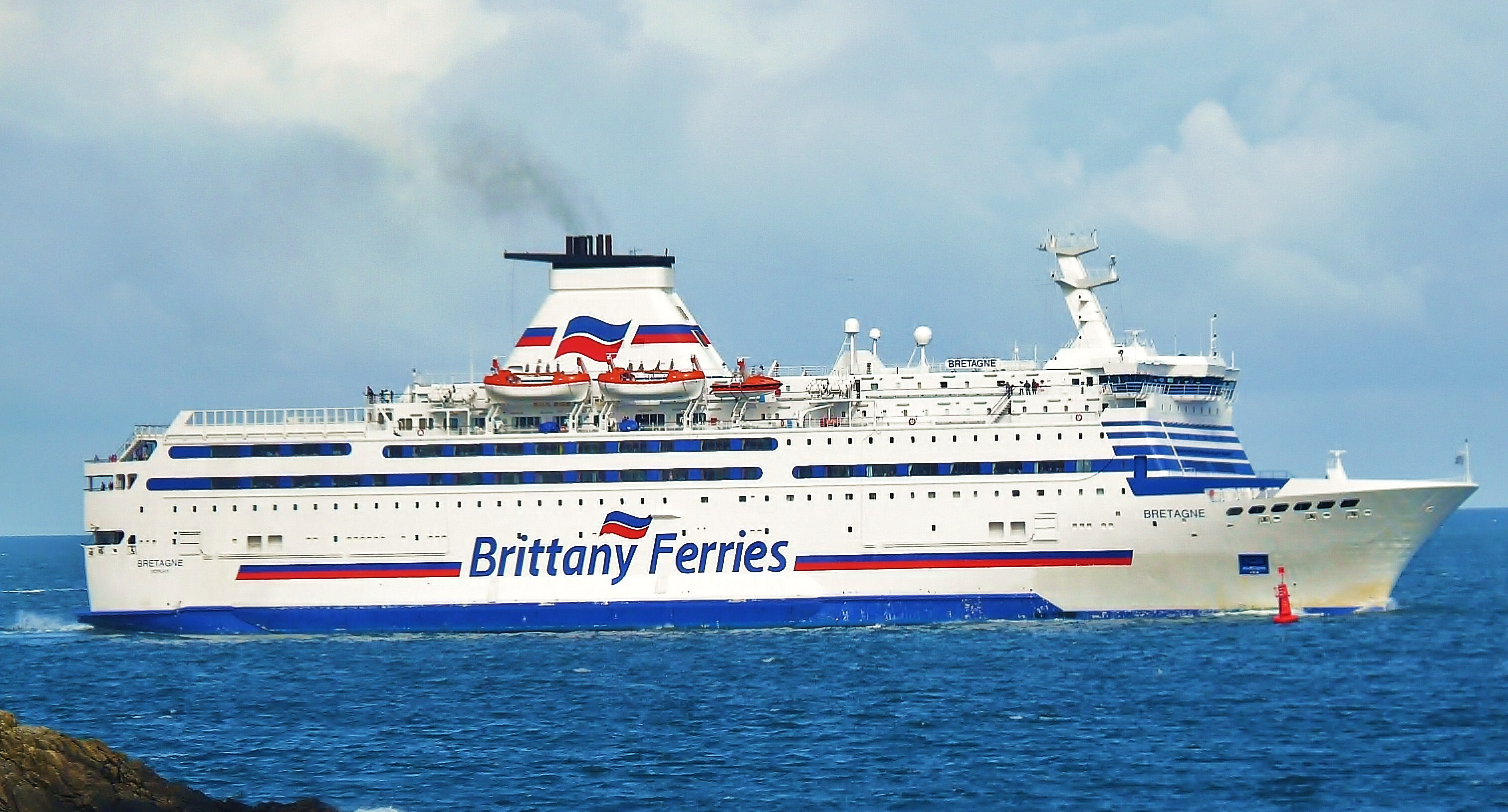 The Brittany Ferries MS Bretagne off Saint-Malo.