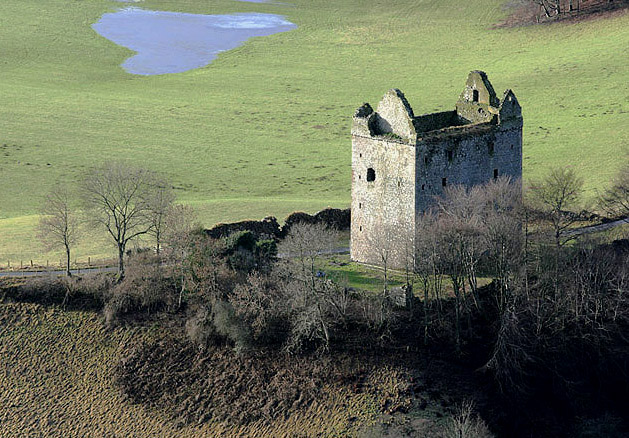 File:Newark Castle - geograph.org.uk - 1127867.jpg