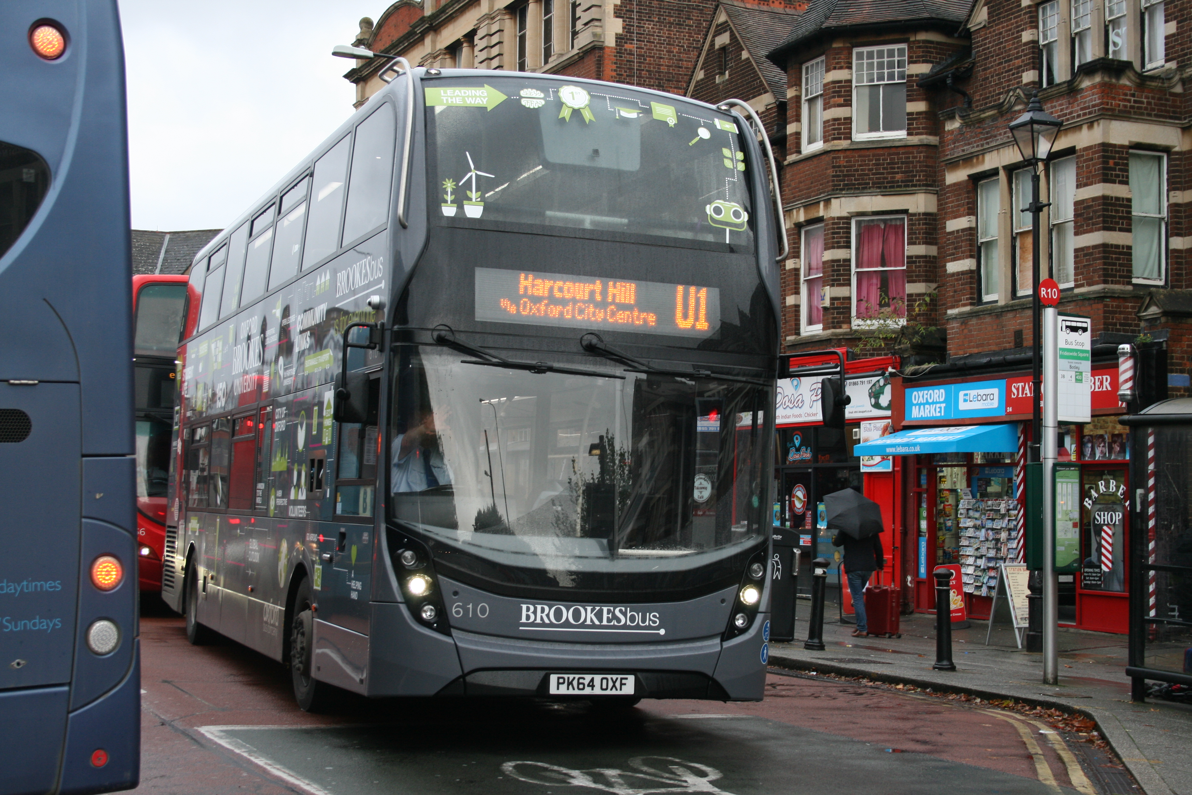 File:Oxford Bus Company 610 on Route U1, Oxford Station