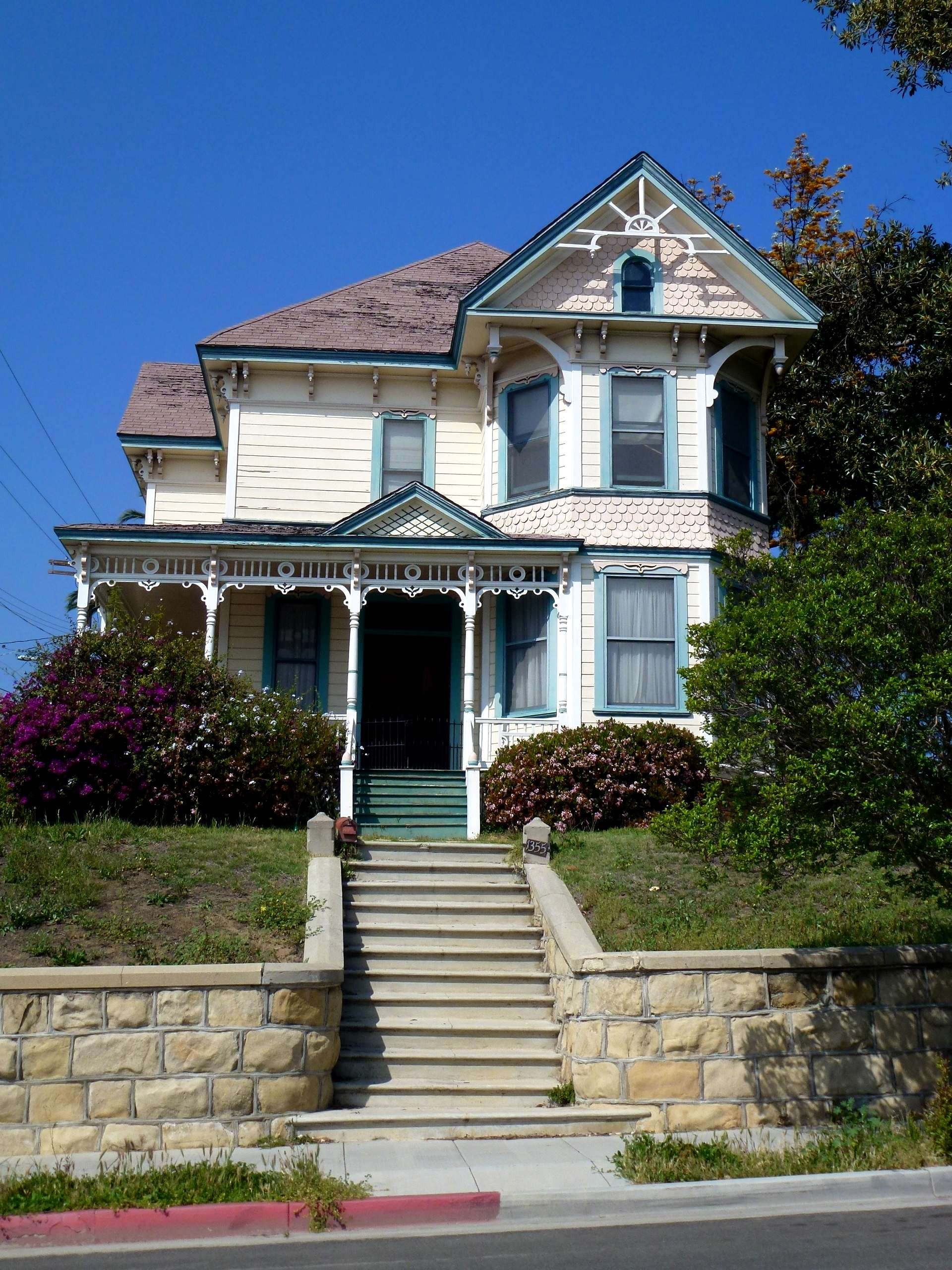 File:Pinney House, 1355 Carroll Avenue.JPG