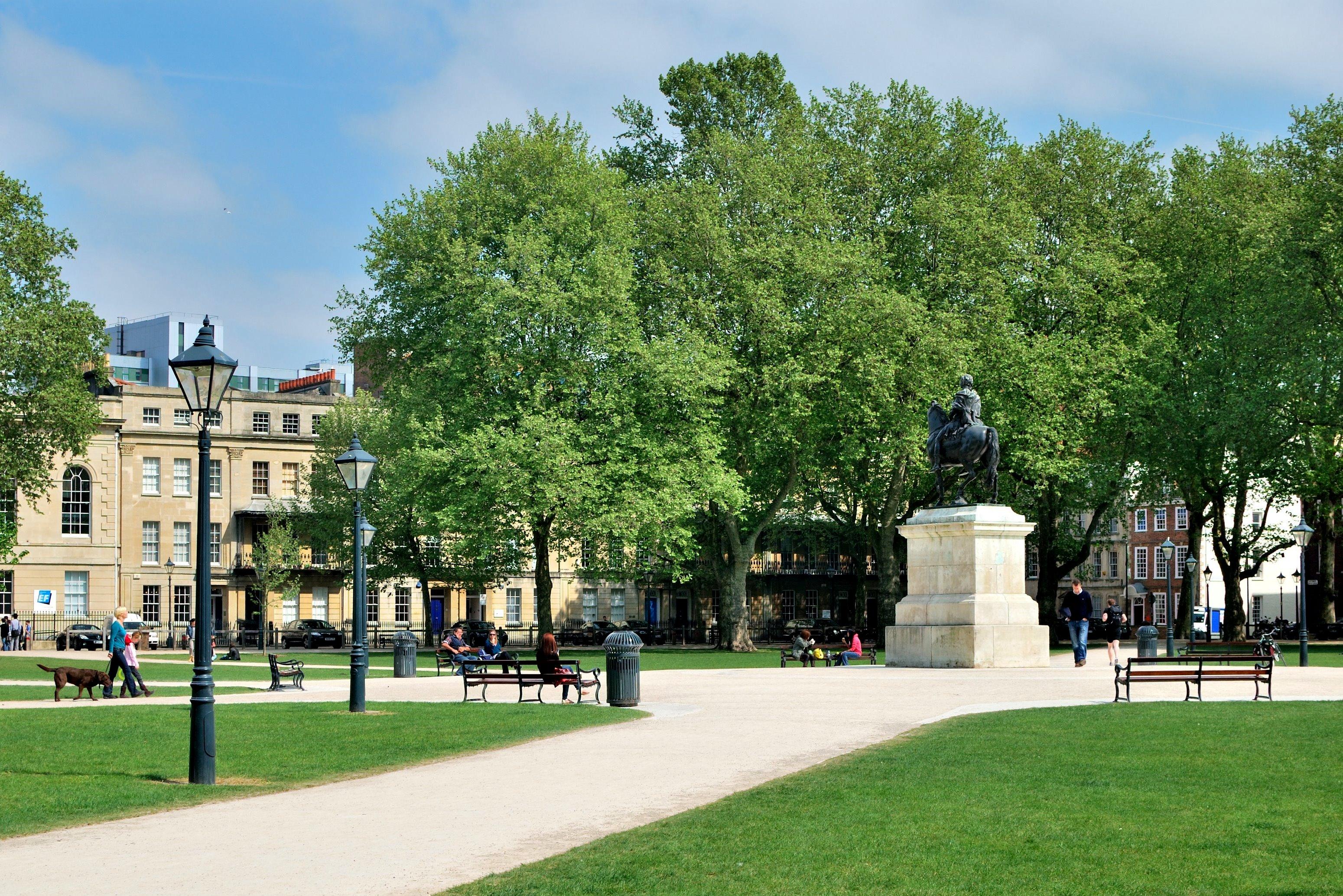 File Queen Square Bristol April 2011 Jpg Wikimedia