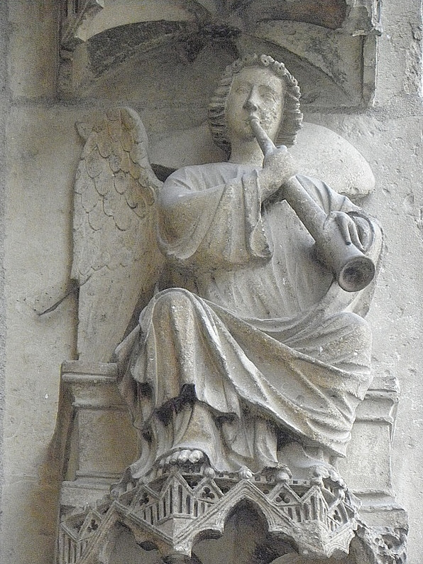 http://upload.wikimedia.org/wikipedia/commons/a/ac/Reims_%2851%29_Cath%C3%A9drale_N.D._Fa%C3%A7ade_nord_09.JPG