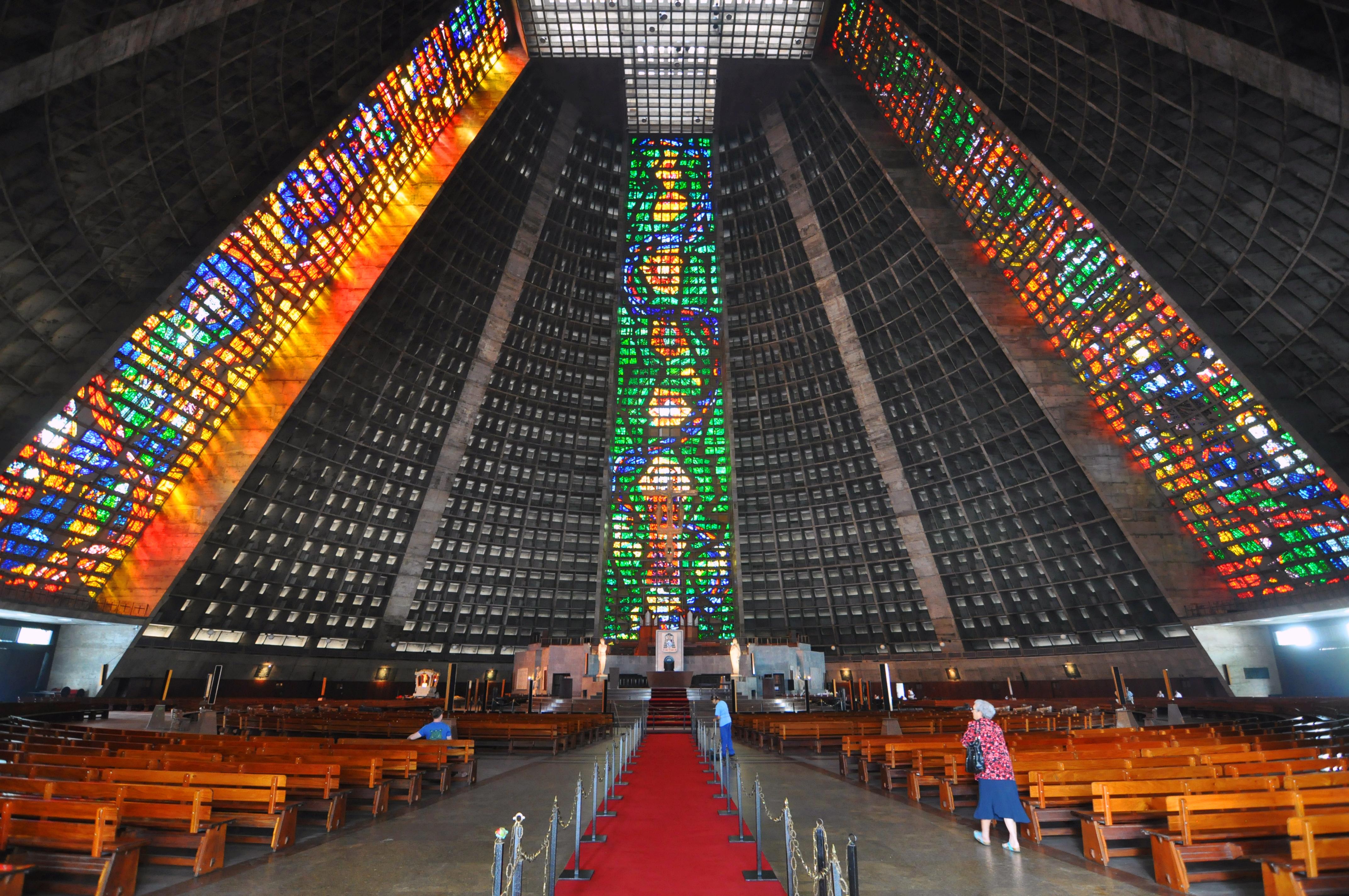 Rio_de_janeiro_cathedral_sao_sebastiao_2