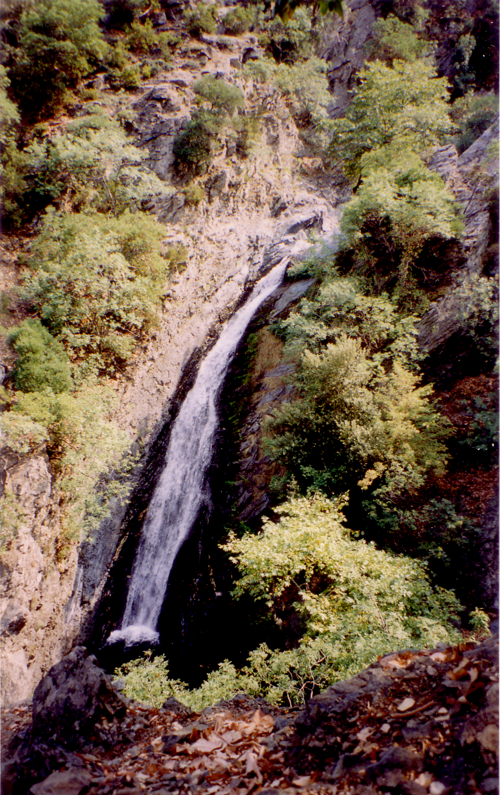 File:Samothraki fonias waterfall.jpg - Wikimedia Commons