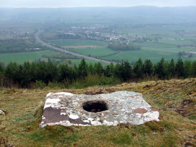 Socket Stone on Moredun Top Hill Fort - geograph.org.uk - 1279617