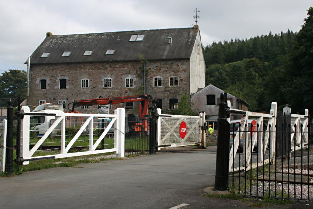 Mill under Renovation - geograph.org.uk - 944481.jpg English: Staverton Mill under Renovation This disused mill is now being actively renovated, presumably