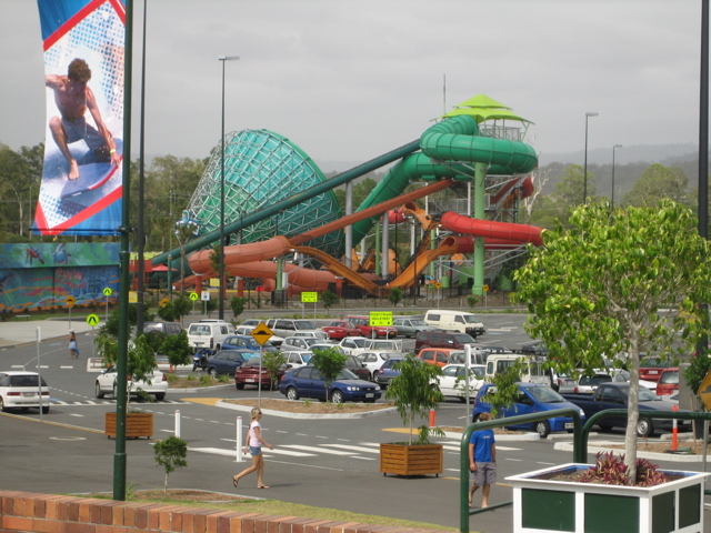 [تصویر:  Super_Tubes_Hydrocoaster_and_The_Green_R..._World.jpg]
