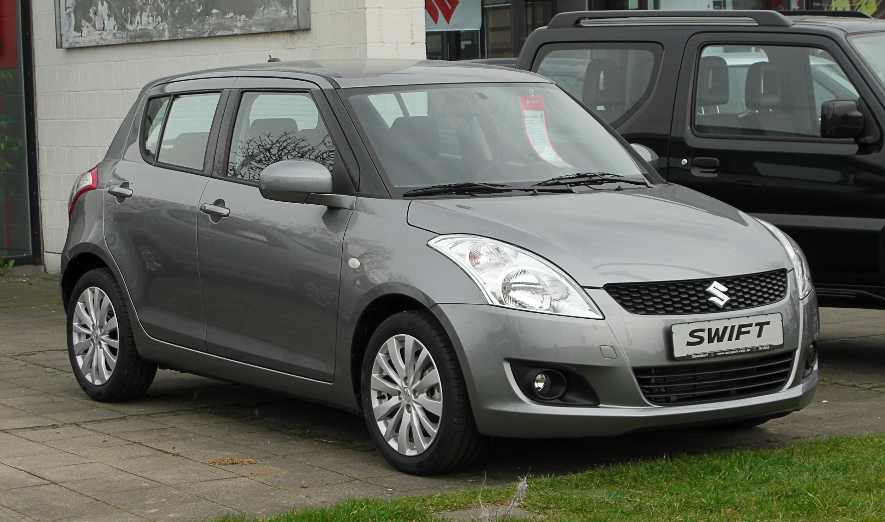 bestand suzuki swift 1 2 comfort fz nz frontansicht 26 m rz 2011 d wikipedia. Black Bedroom Furniture Sets. Home Design Ideas