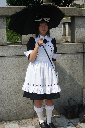 Tribus Urbanas en Japon Umbrella_Girl_-_Gothic_Lolita_fashion