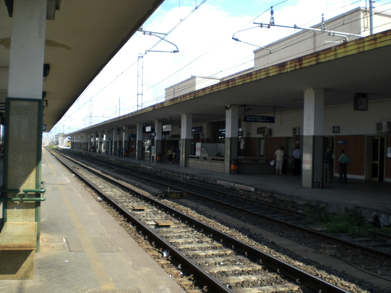 Stazione di villa san giovanni wikipedia for Amaretti arredamenti villa san giovanni