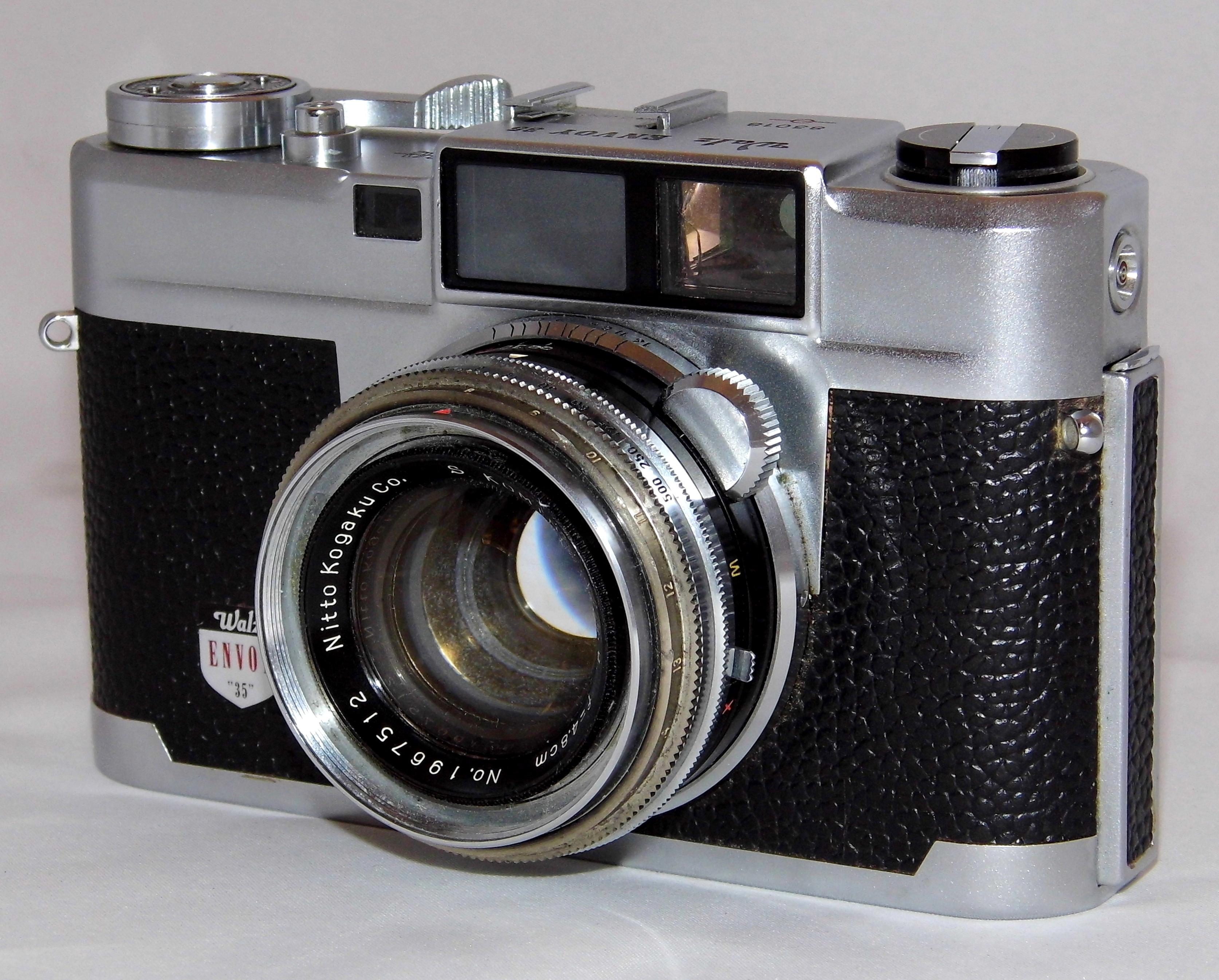 Resultado de imagem para Câmera Rangefinder de 1950.