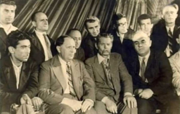 File:Vurgun, Tolstoy, Gorkiy and Mumtaz.png