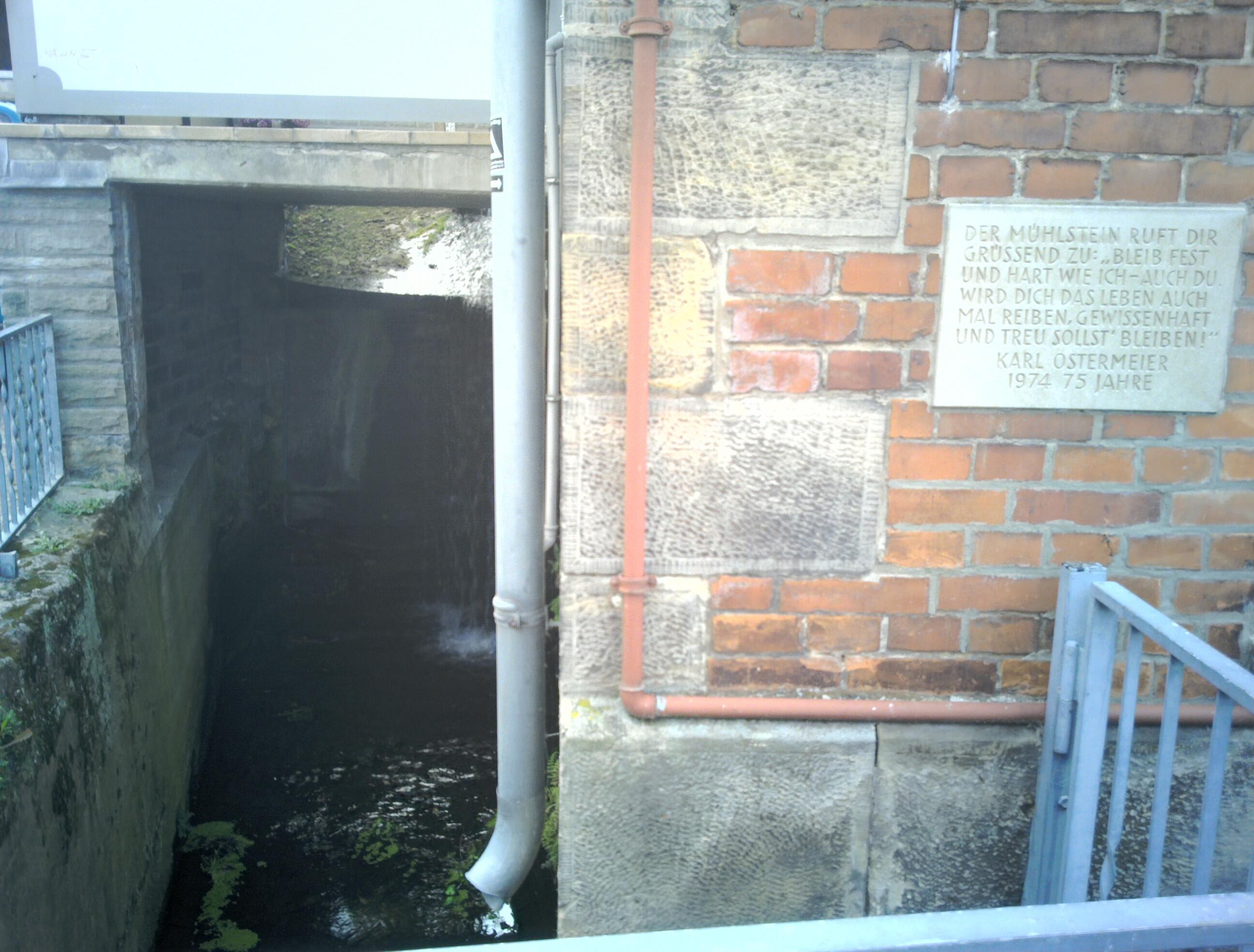 Datei:Wasserlauf Mittelmühle Wennigsen (Deister).jpg – Wikipedia