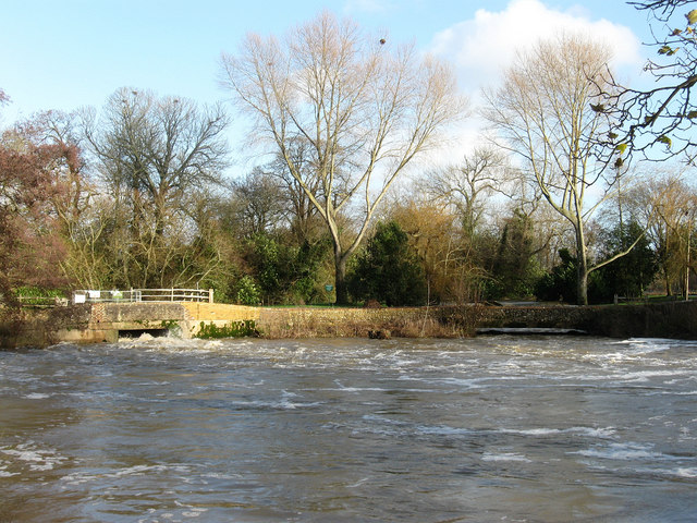 Weirs, Barcombe Mills - geograph.org.uk - 1611100