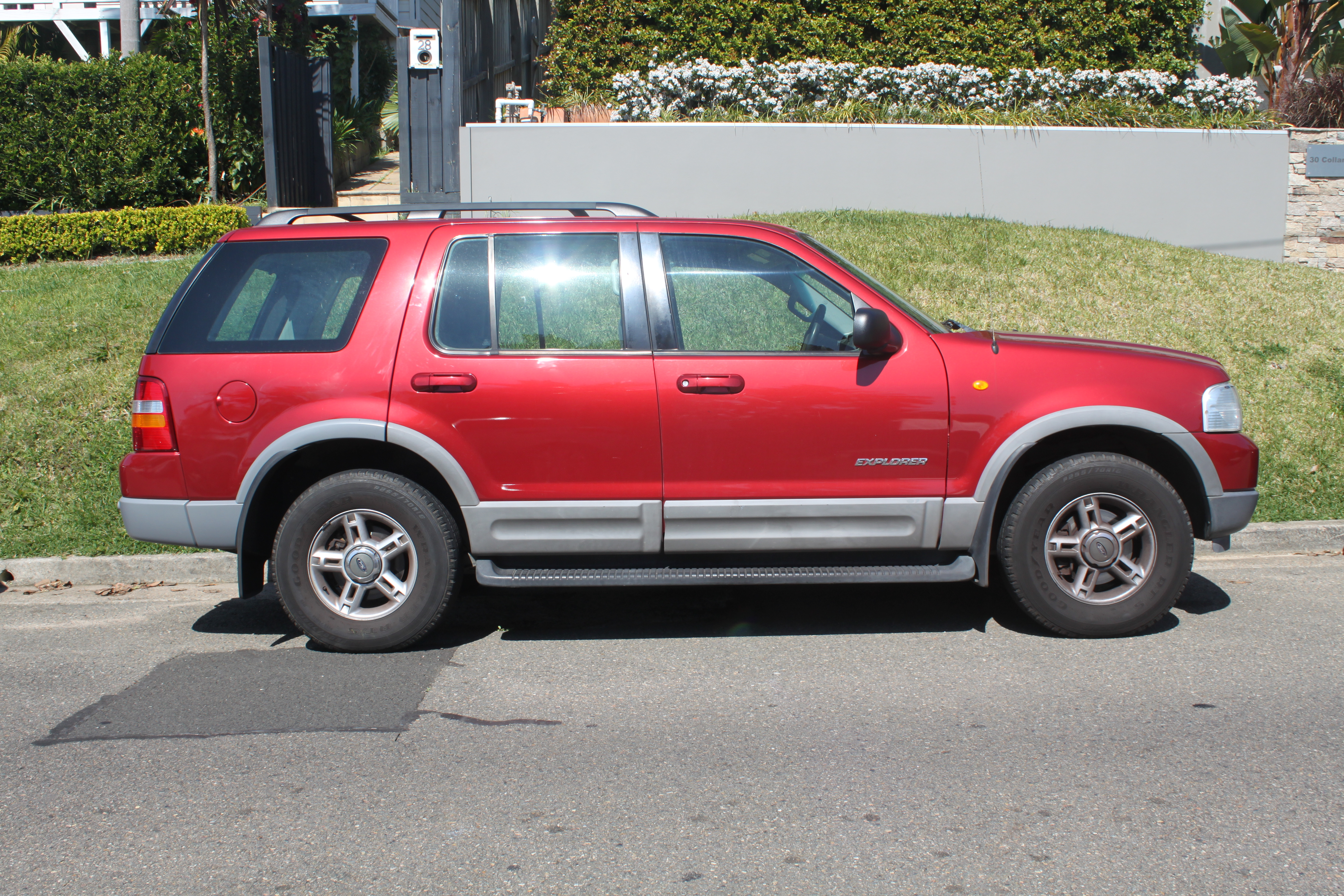 File2002 ford explorer ut xlt wagon 22112164480 jpg