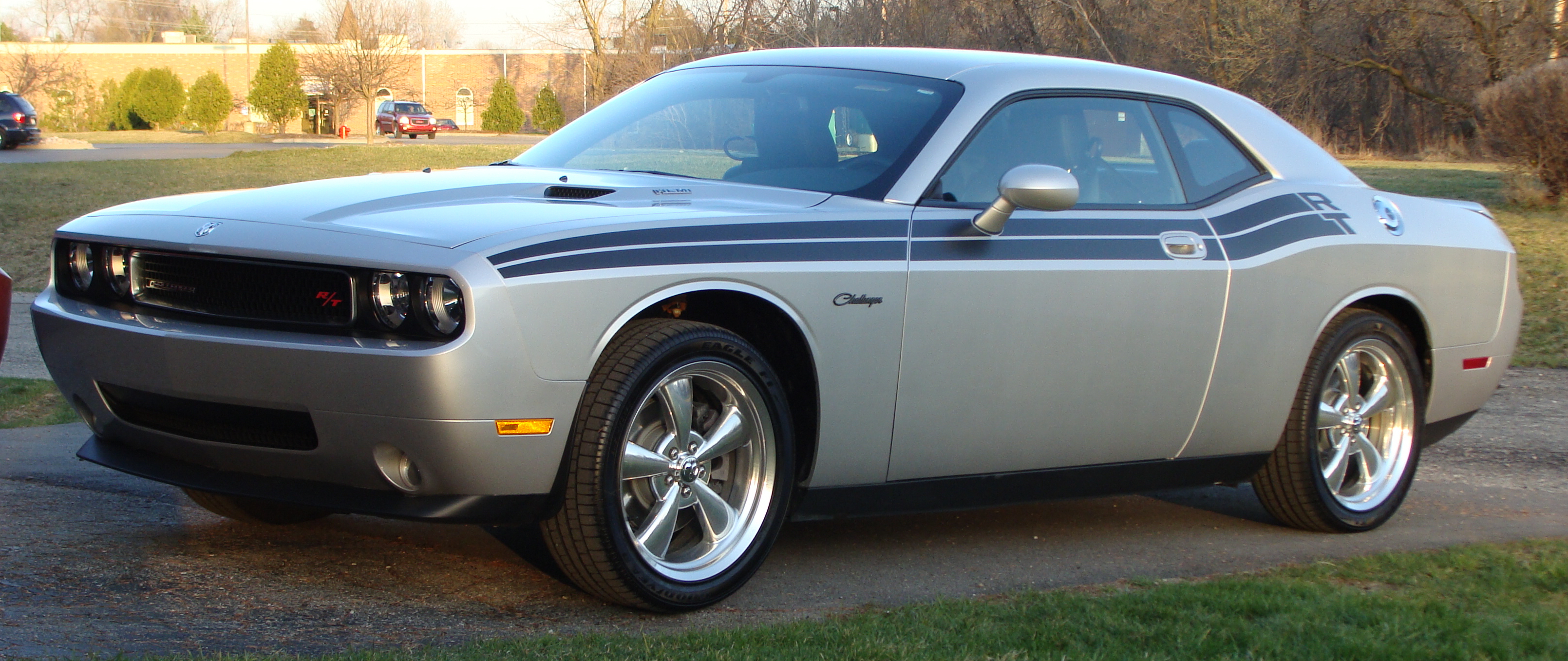 file:2010 dodge challenger rt classic - wikimedia commons