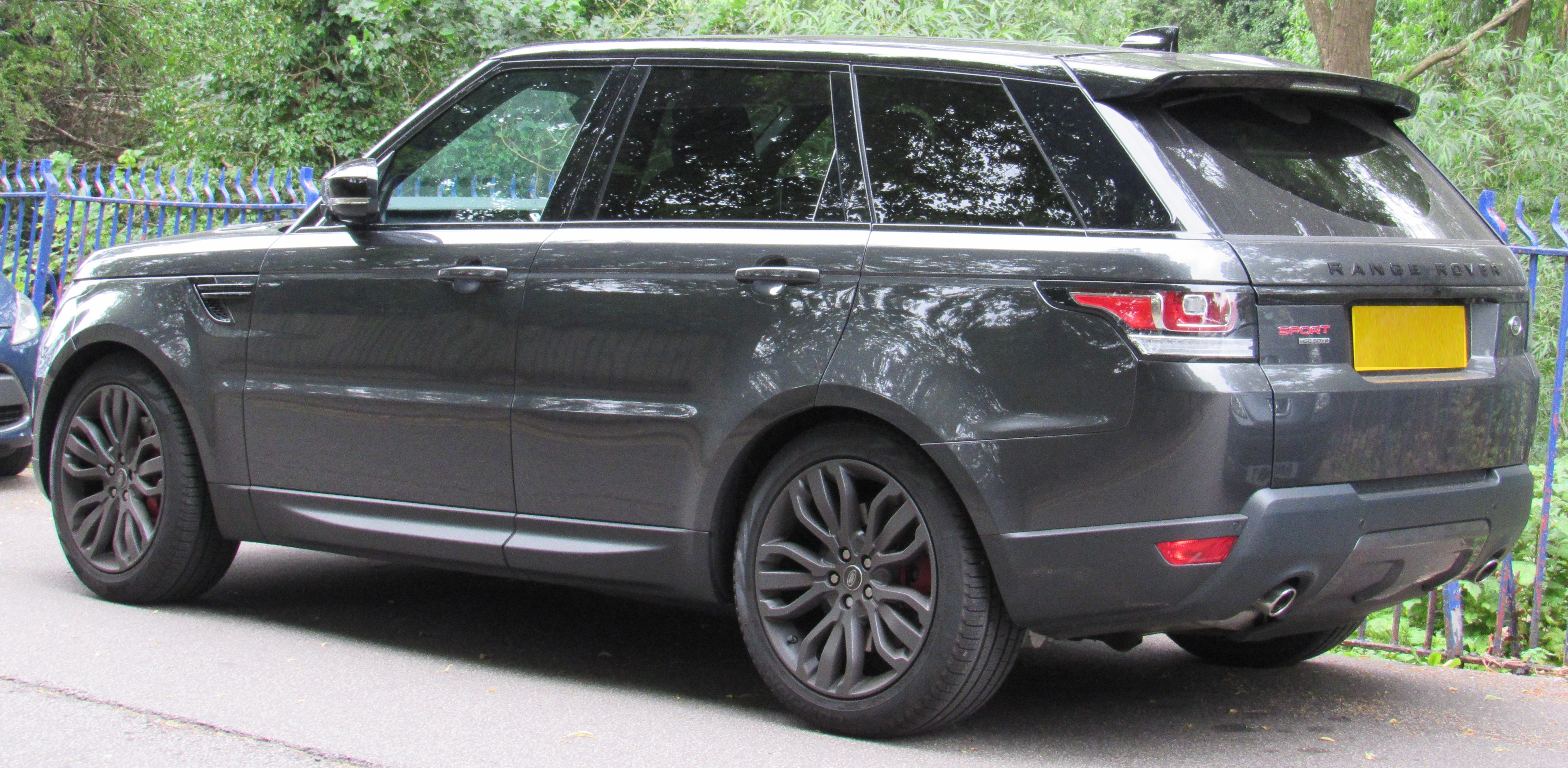 Range Rover Sport Wikipedia >> File:2017 Range Rover Sport HSE Automatic 3.0 Rear.jpg - Wikimedia Commons