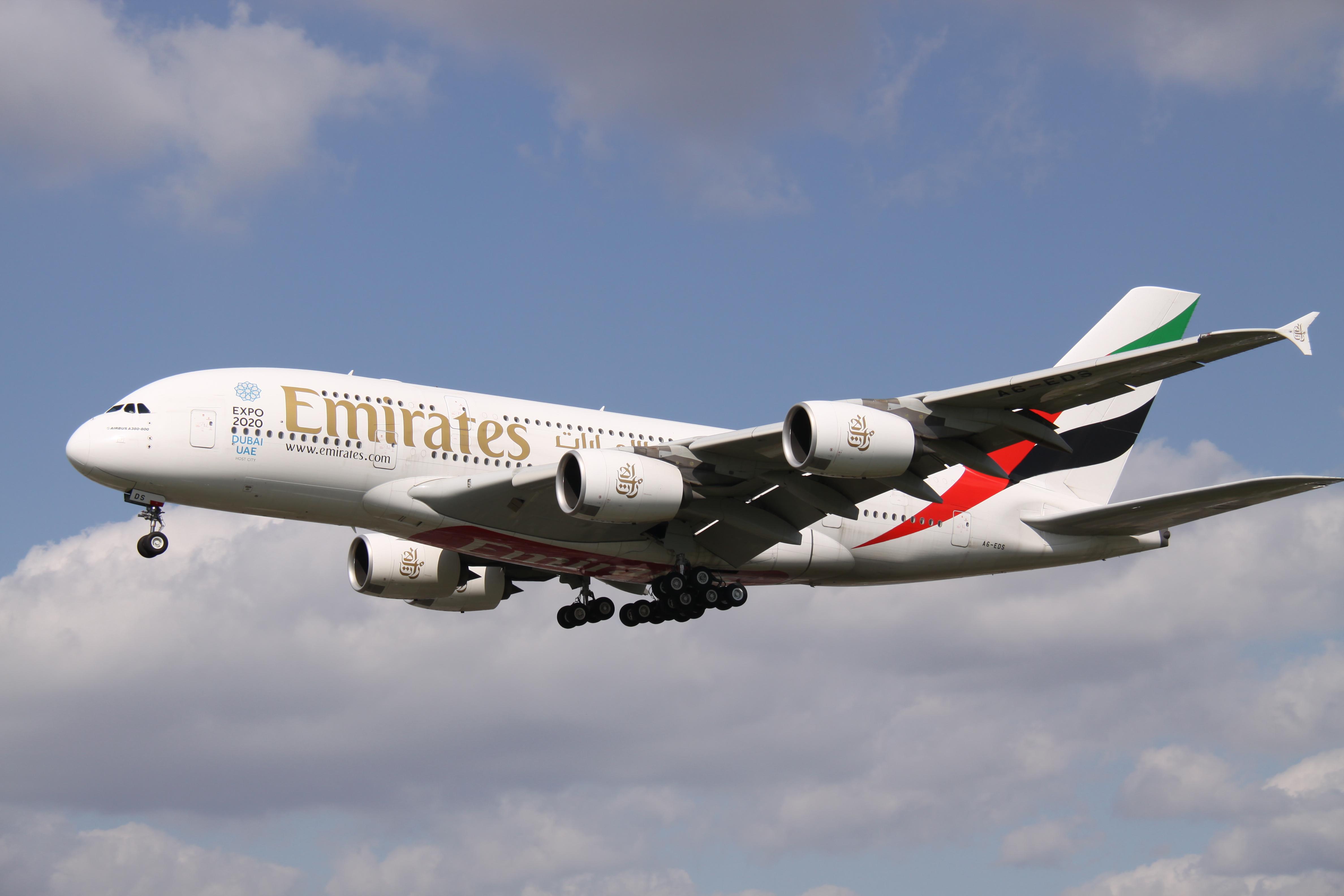 File:A6-EDS Airbus A.388 Emirates With Expo 2020 Dubai UAE Titles