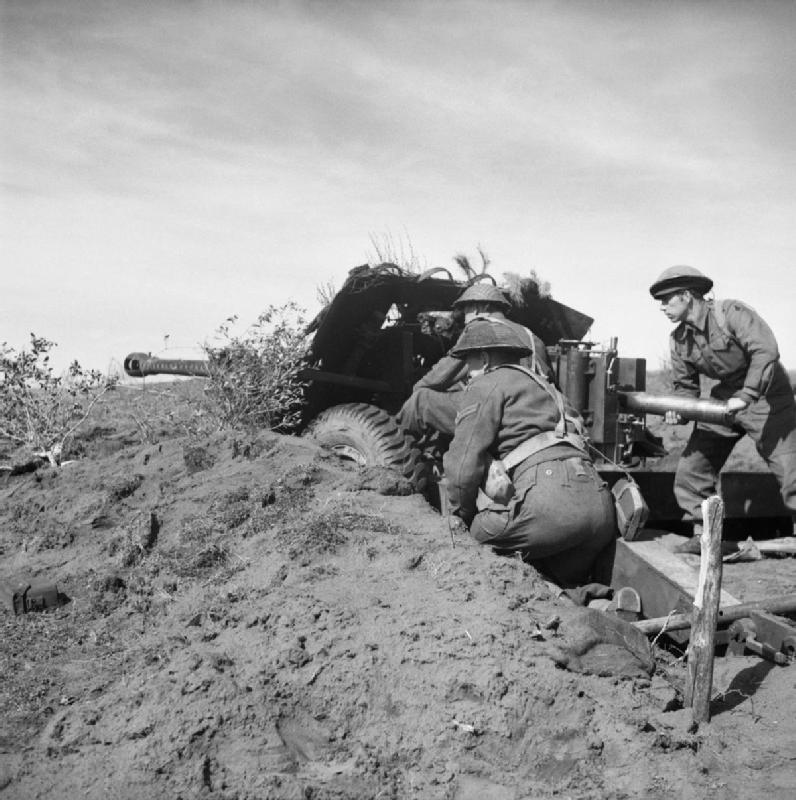 German 50 Mm Anti Tank Gun: File:A 17-pdr Anti-tank Gun In Action In The Anzio
