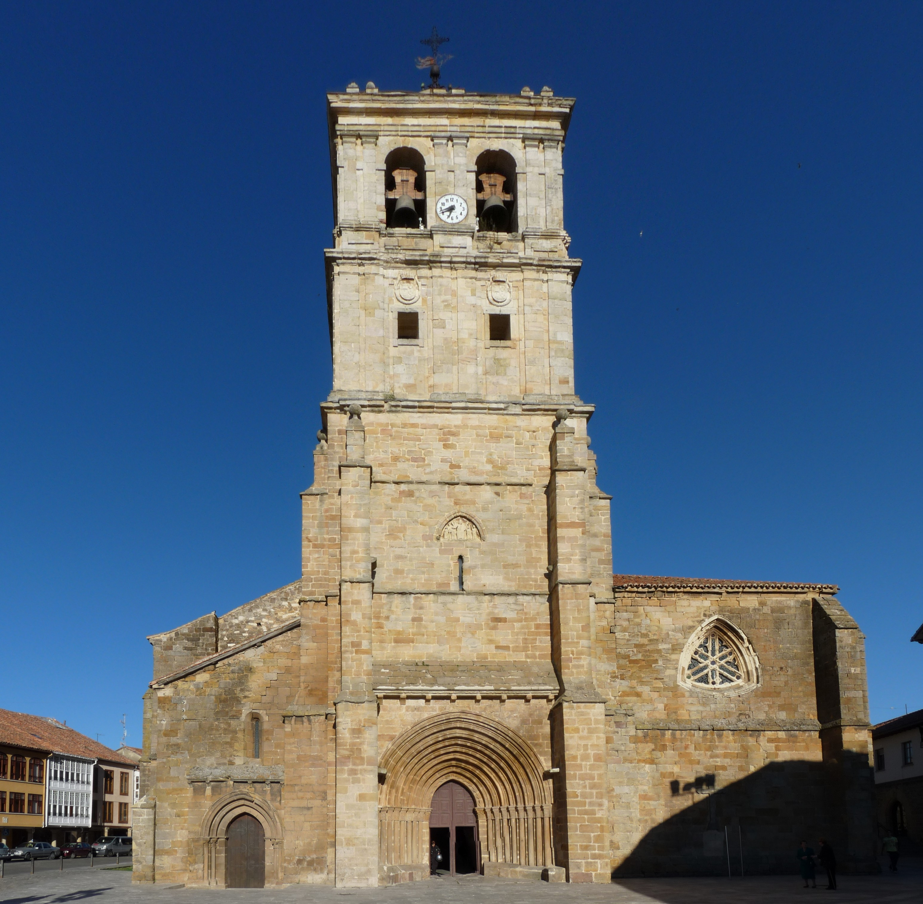 Colegiata de San Miguel de Aguilar de Campoo