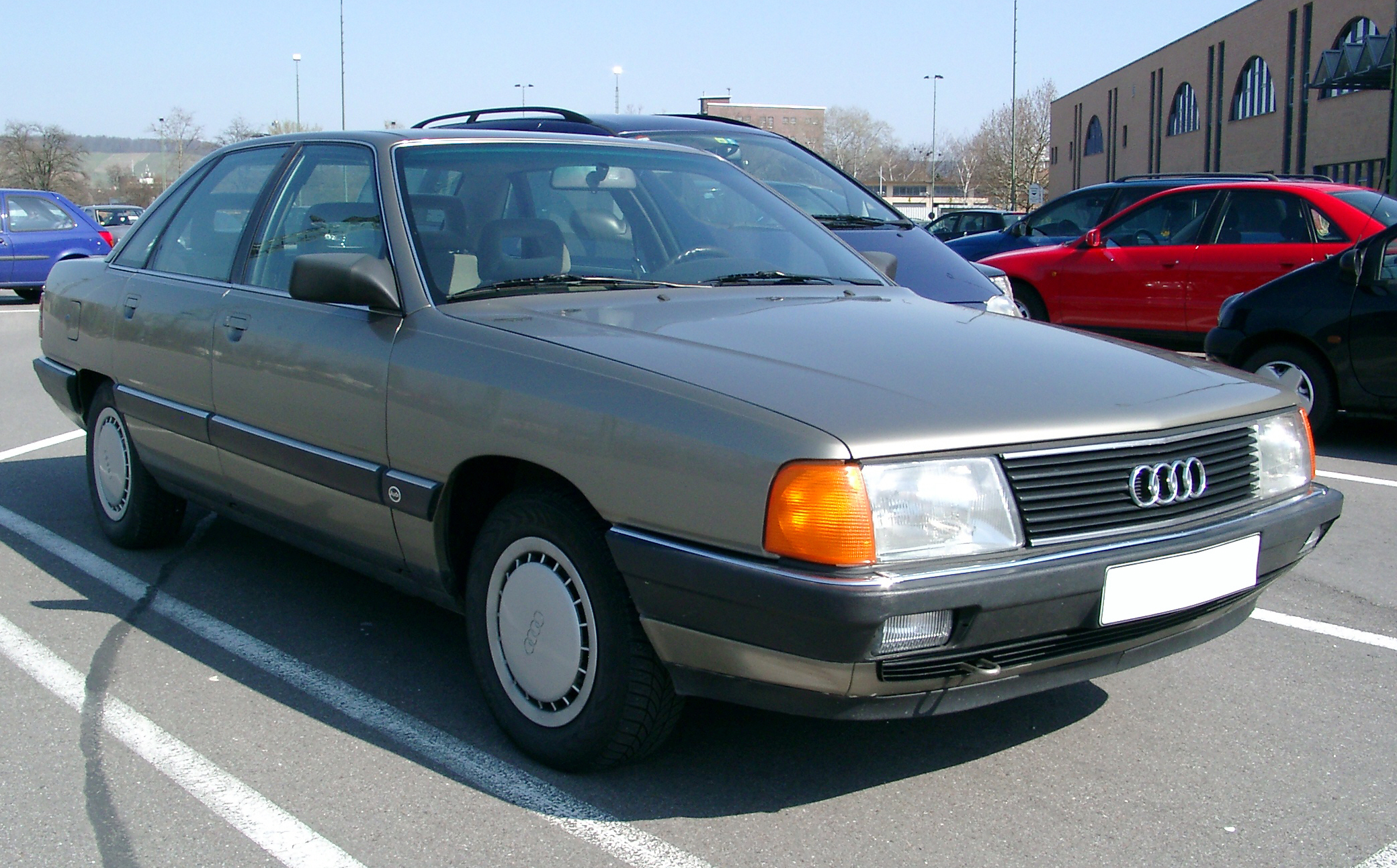 File:Audi 100 C3 front 20070326.jpg - Wikimedia Commons