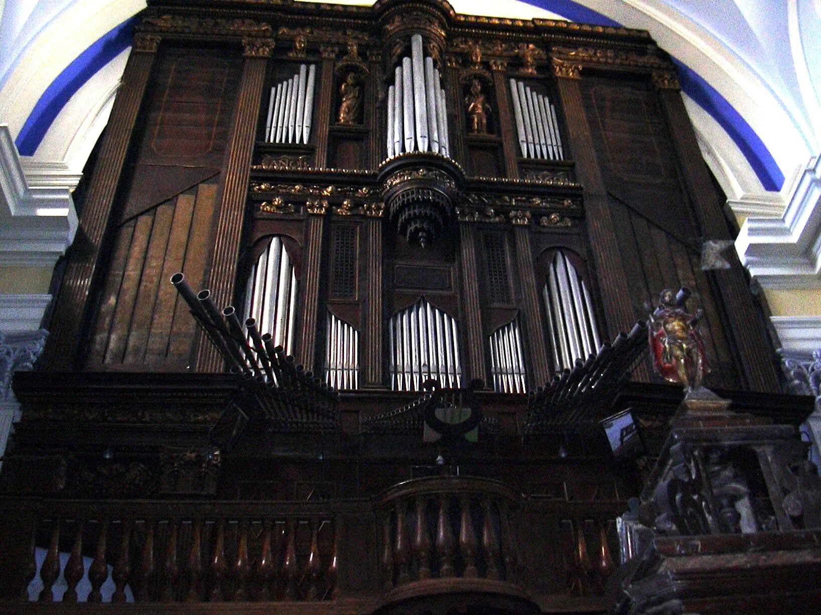 Órgano de la Colegiata de Borja, datado en 1569. Todas las grandes iglesias debían tener un órgano cuya música acompañaba la misa.