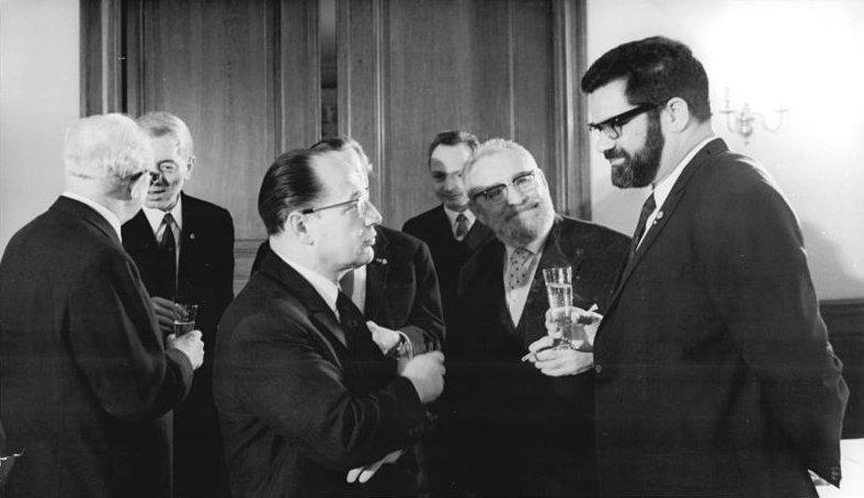 File:Bundesarchiv Bild 183-J0325-0024-001, 20 Jahre Akademie der Künste.jpg