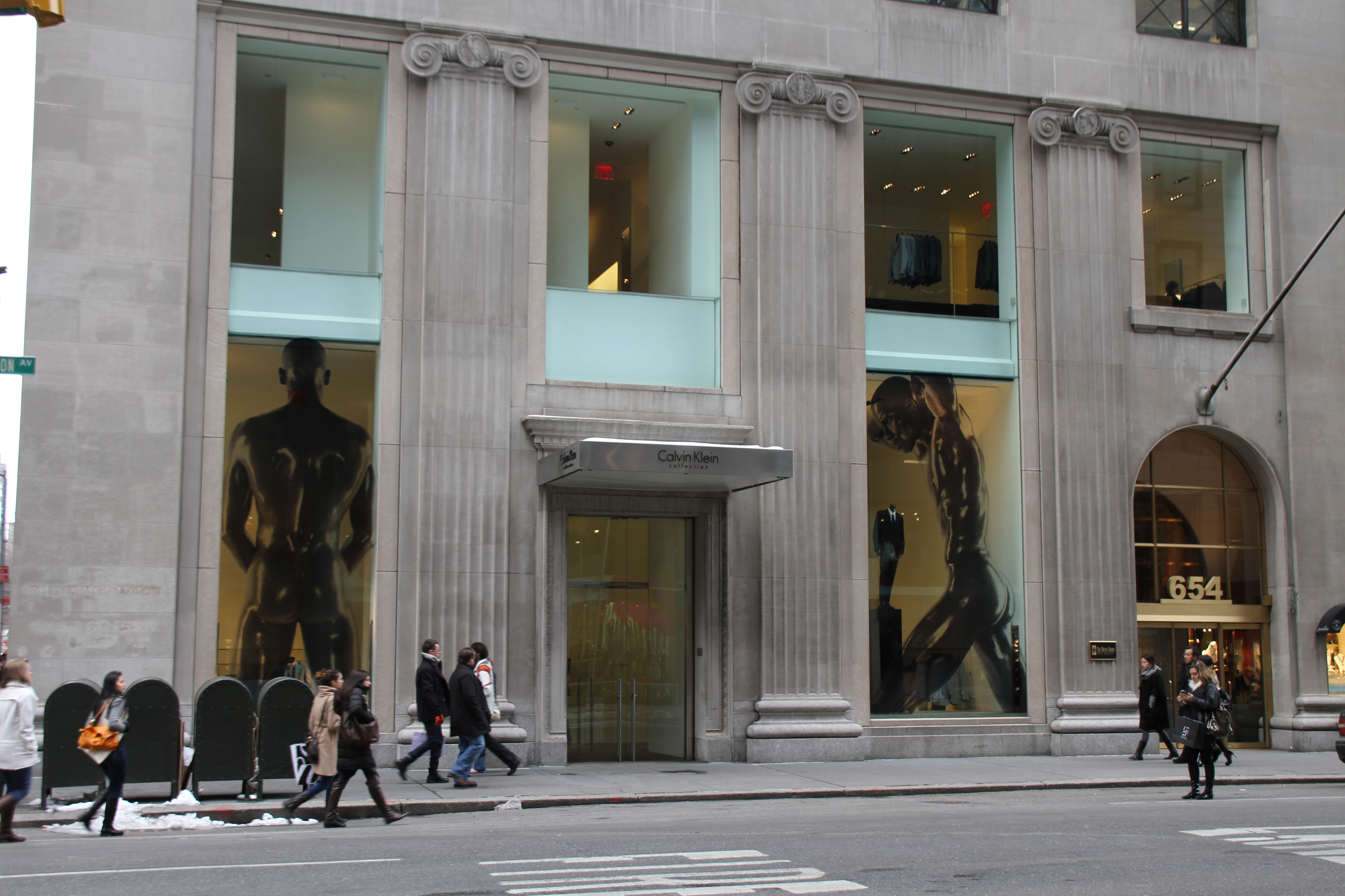 file calvin klein collection flagship store 654 madison avenue new york city wikimedia. Black Bedroom Furniture Sets. Home Design Ideas