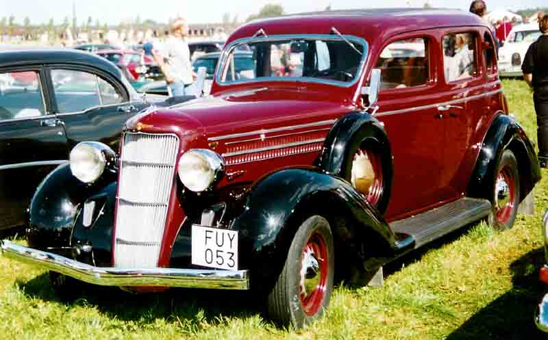 File dodge new value series du six touring sedan for 1935 dodge 4 door sedan